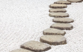 4 Ideas for Creative Stepping Stone Pathways